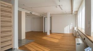 Top ausgestattetes Attika Büro mit Terrasse